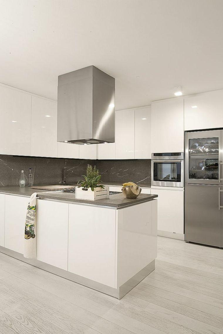 Muebles lacados brillantes en la cocina arquitectura for Cocinas blancas