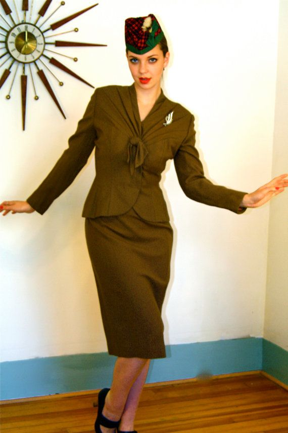 Vintage LILLI ANN 40s Fitted Jacket Skirt Two Piece Pleated Brown Rayon Gabardine Ladies WWII War Time Era Bombshell 1940s Working Girl Suit...