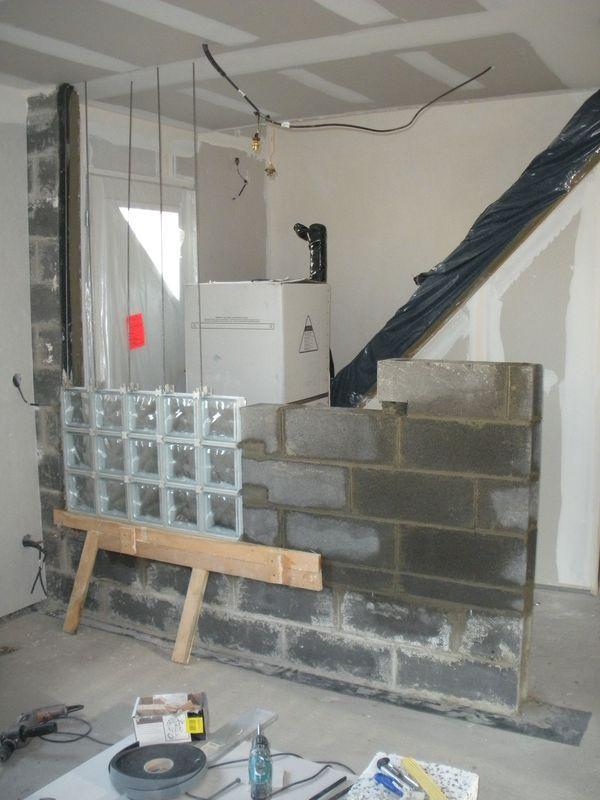 mur briques de verre 2 notre blog l 39 avancement de. Black Bedroom Furniture Sets. Home Design Ideas