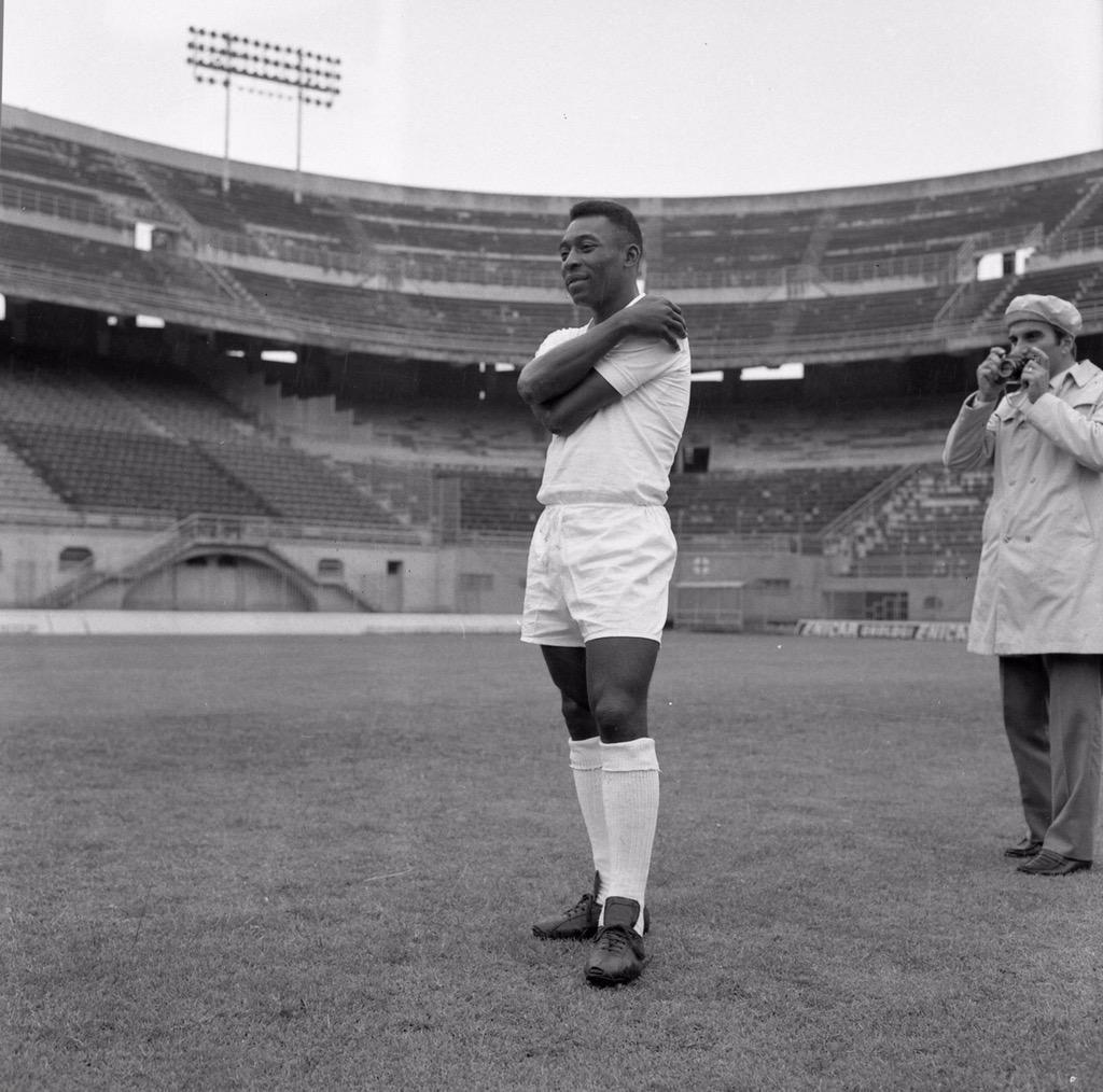 Vintagefooty On Twitter San Siro Stadium Football Players Pele
