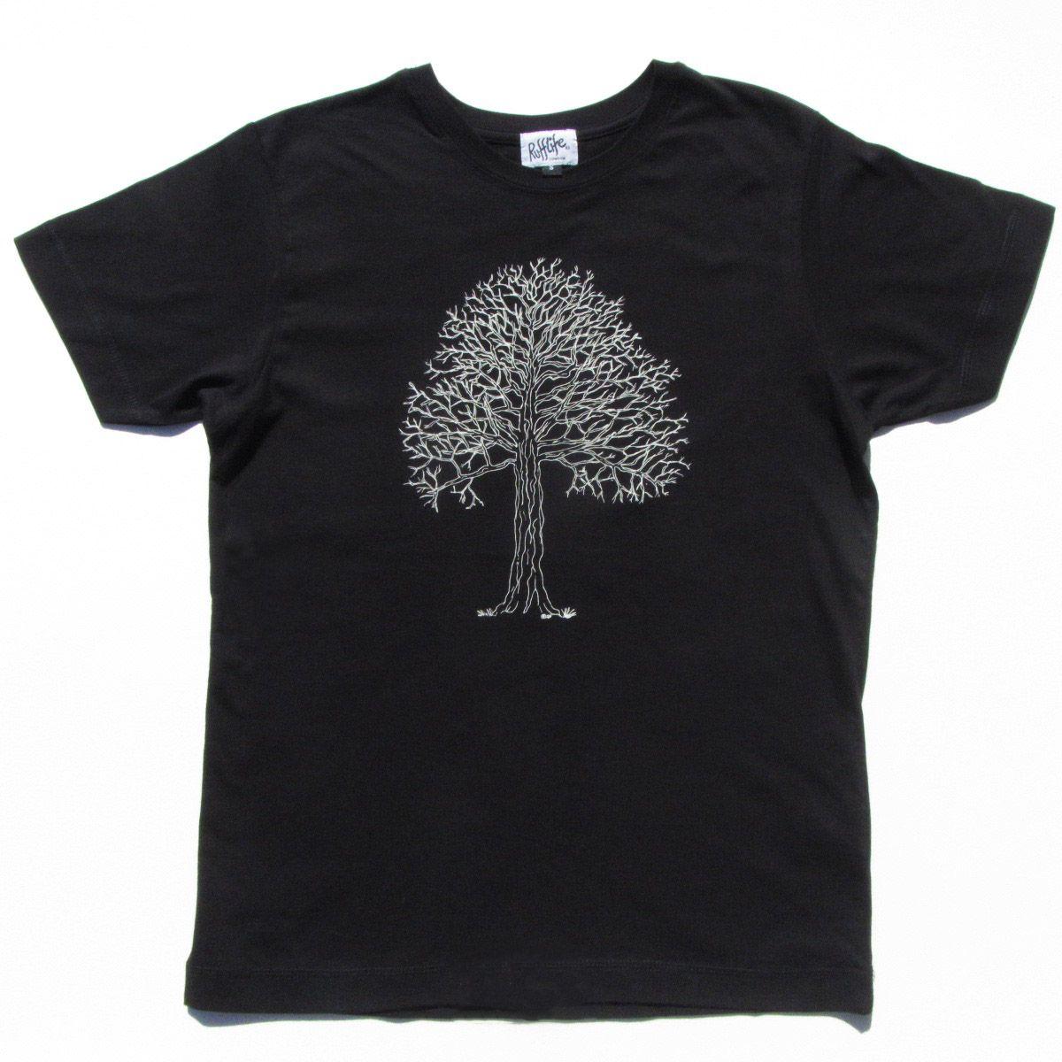 Tree on men's t-shirt