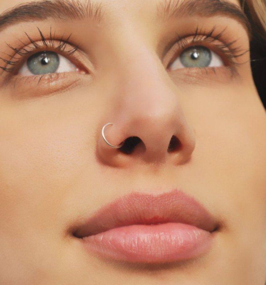 Lip piercing under nose  Piercing no nariz Fotos cuidados cicatrização e dicas  COLECCIÓN