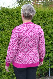 Sundrops Cardi Solgløtt kofte pattern by Vanja Blix Langsrud