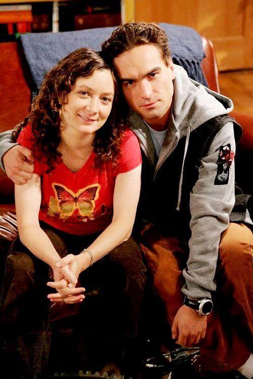Johnny & Sara on set of The Big Bang Theory