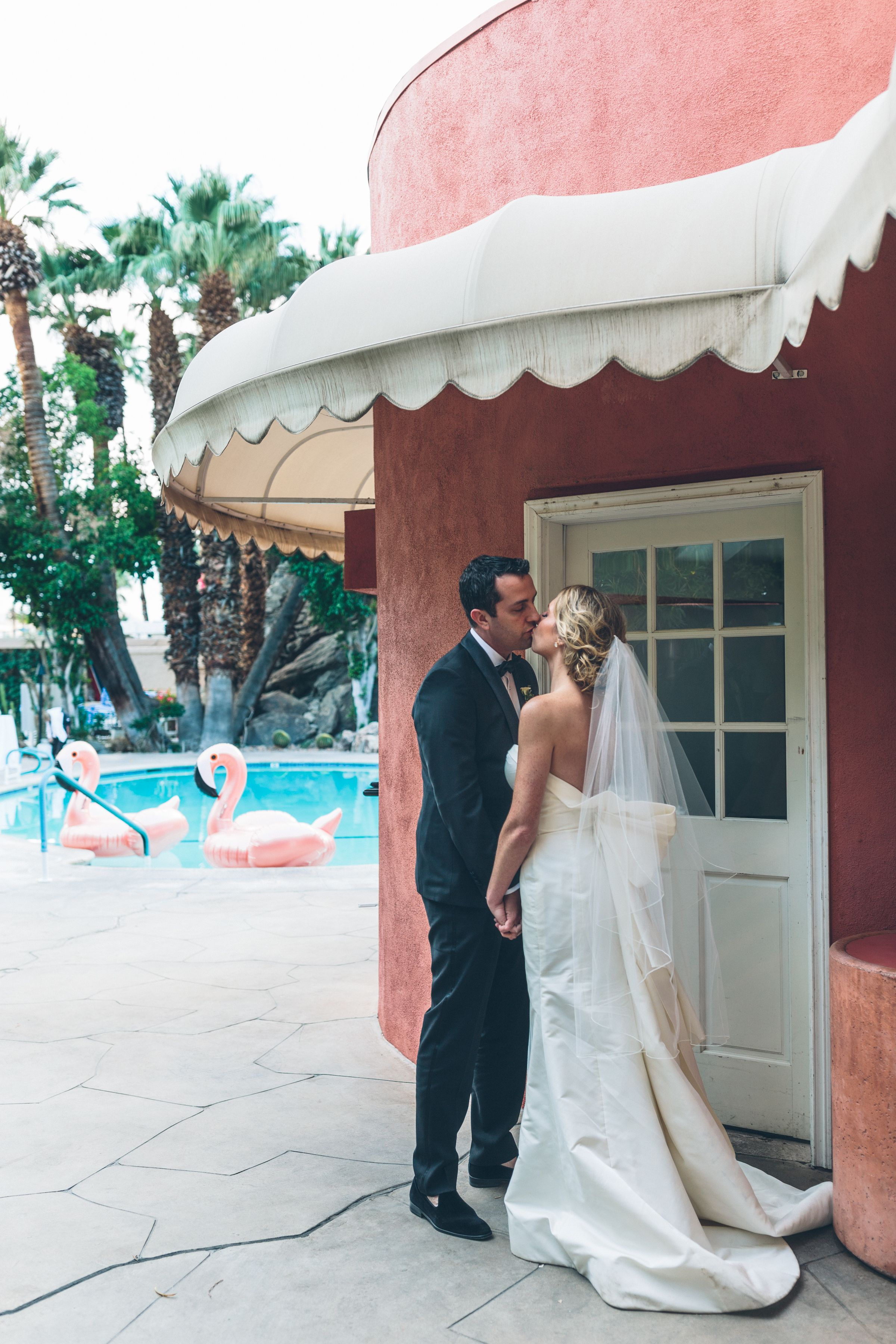 Flamingos For The Win At This Palm Springs Wedding Palm Springs - Palm springs escort reviews