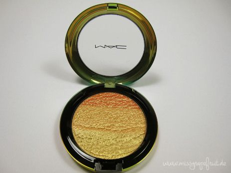 High-Light Powder Freshen Up MAC Wash and Dry