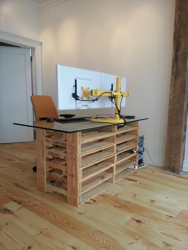 Pallet Desk With Drawers And Shelves Diy Pallet Reception