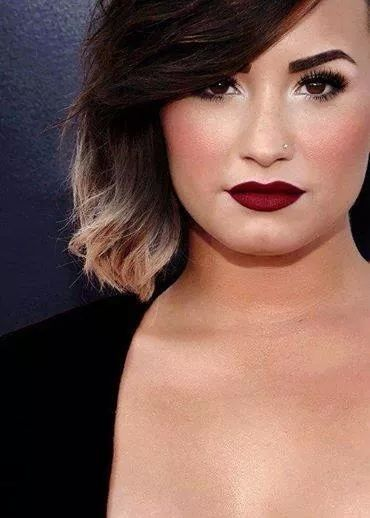 Sexy, strong, powerful and beautiful Demi Lovato <3