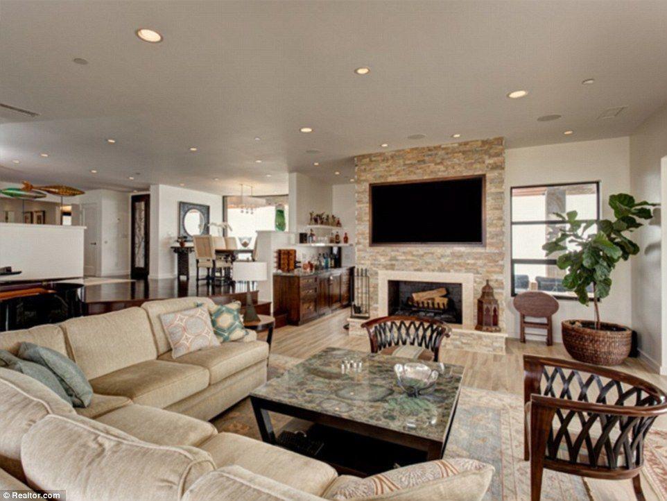 Inside Caitlyn Jenner\'s $3.5 million Malibu home | Ceilings, Cozy ...