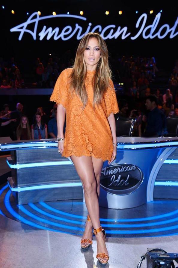 Jennifer lopez white lace dress on american idol