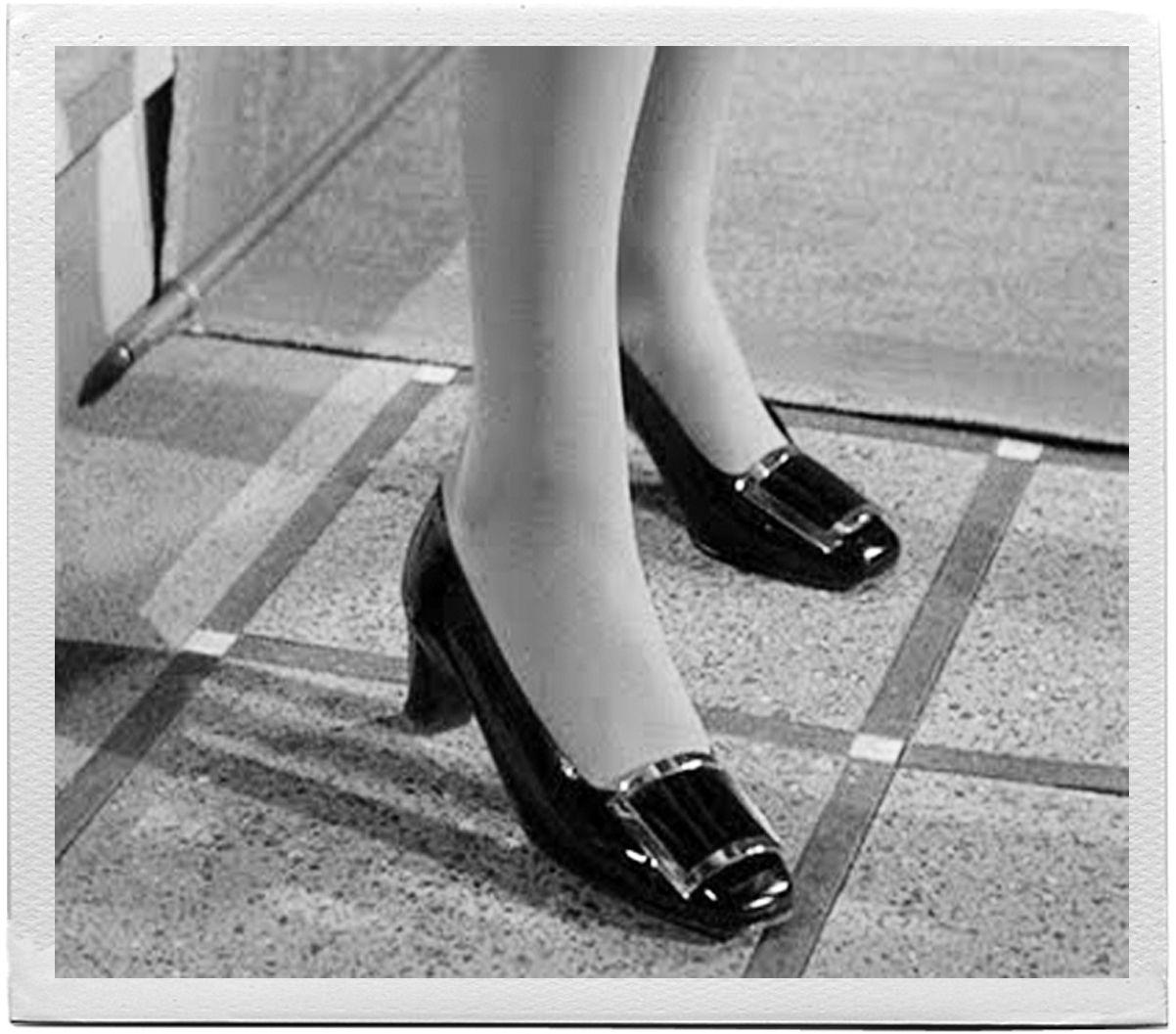 Personne n'a oublié les escarpins à l'empeigne garnie de la célèbre boucle d'argent que Catherine Deneuve, dans «Belle de jour» de Luis Buñuel en 1967, n'ôtait que pour la bagatelle