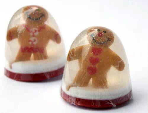 DIY Gingerbread Men Snowglobe Soap