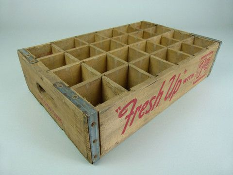 Vintage 'Fresh Up' 7up crate - 24 section - eyespy