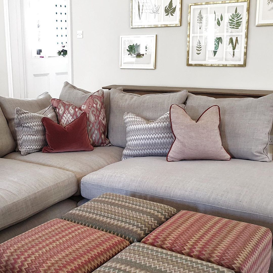 How lovely is this living room designed by David Wilder ...