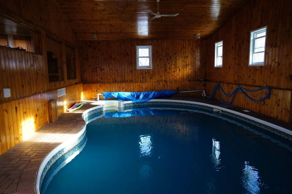 You Can Rent This Cozy Airbnb With A Private Indoor Pool And Hot Tub In Ontario Indoor Pool Hot Tub Pool