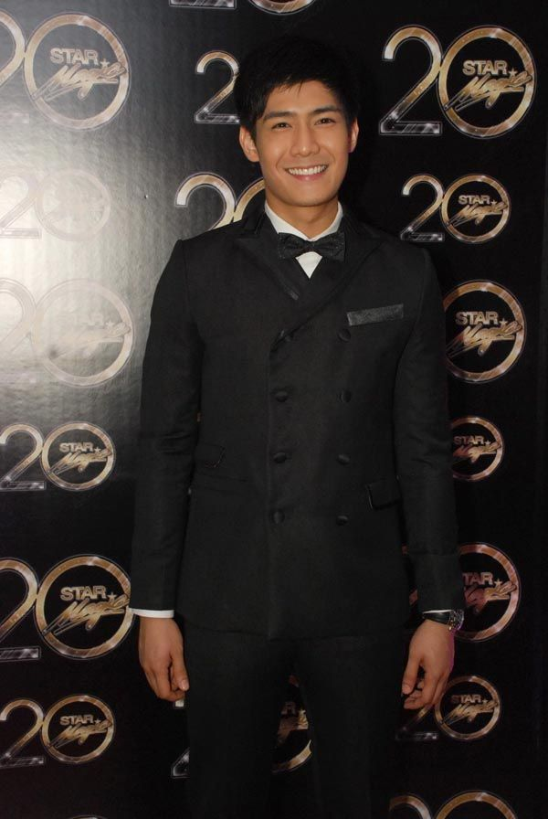 Robi Domingo at the Star Magic Ball. Photo by Nimfa Chua for ABS ...