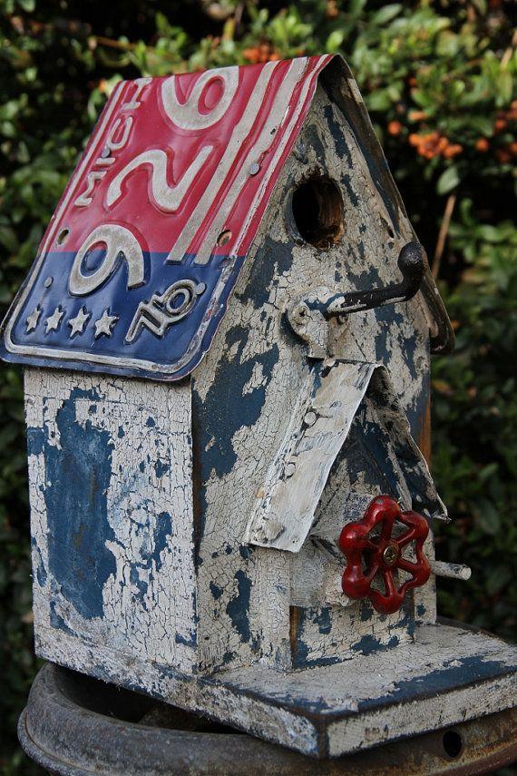 Americana Birdhouse Antique License plate