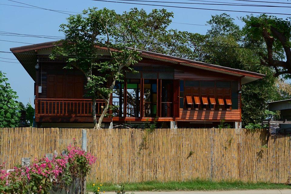 บ านส ร อน แบบบ านไม ยกใต ถ นส ง หน าต างรอบบ านเป ดร บลม และกระจกส สวยงาม Ihome108 House In The Woods Thai House House Design