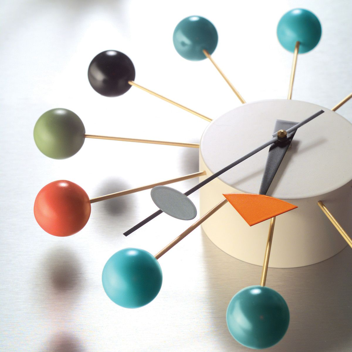 Vitra Ball Clock Multicoloured In 2020 Modern Clock George Nelson Clock