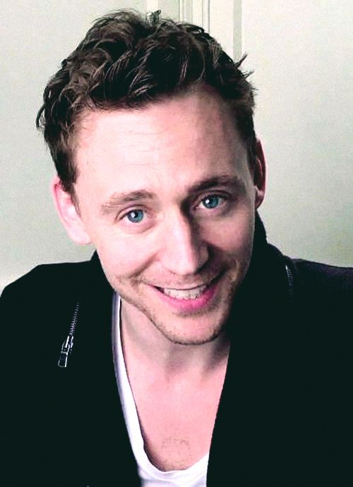 """""""Darling! I didn't know you liked Shakespeare."""" Well, I do now, thanks to you Tom!"""