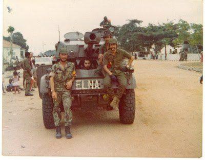 Soldados de nacionalidade portuguesa nas fileiras do ELNA, braço armado da FNLA, 1975.