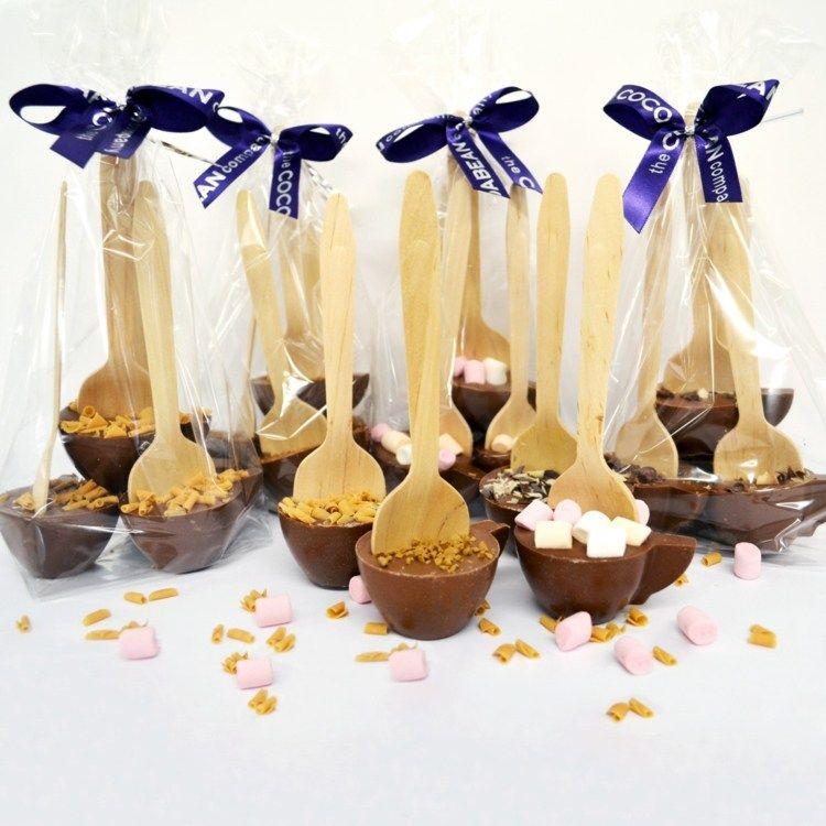 sucette au chocolat plonger dans la tasse de chocolat chaud noel jingle bells and gift. Black Bedroom Furniture Sets. Home Design Ideas