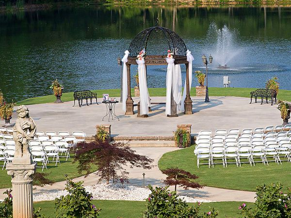 10 Awesome Atlanta Wedding Venues Near Water Mywedding Atlanta Wedding Venues Atlanta Wedding Chapel Georgia Wedding Venues