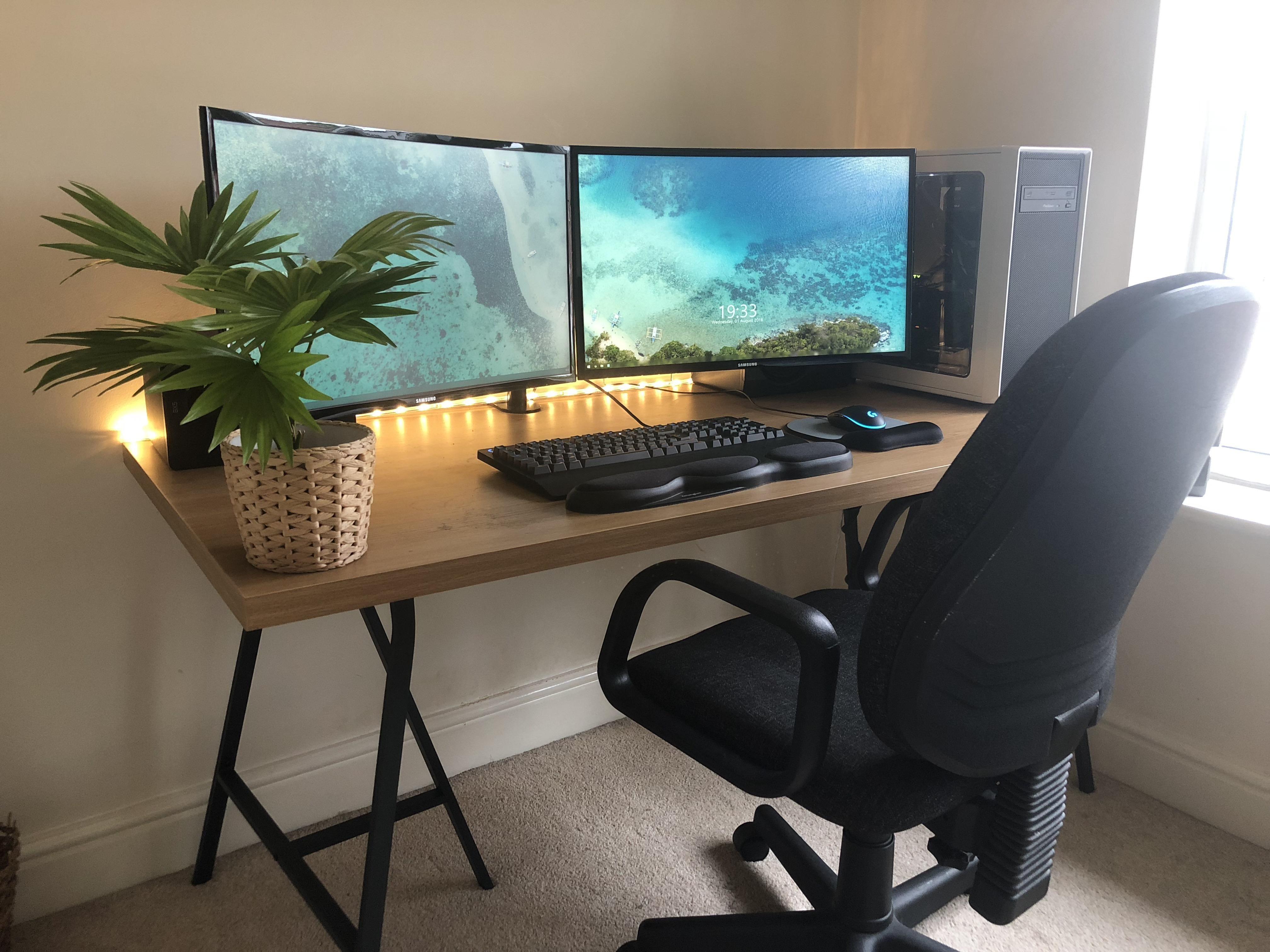 17 Outstanding Computer Desk Ideas Space Saving