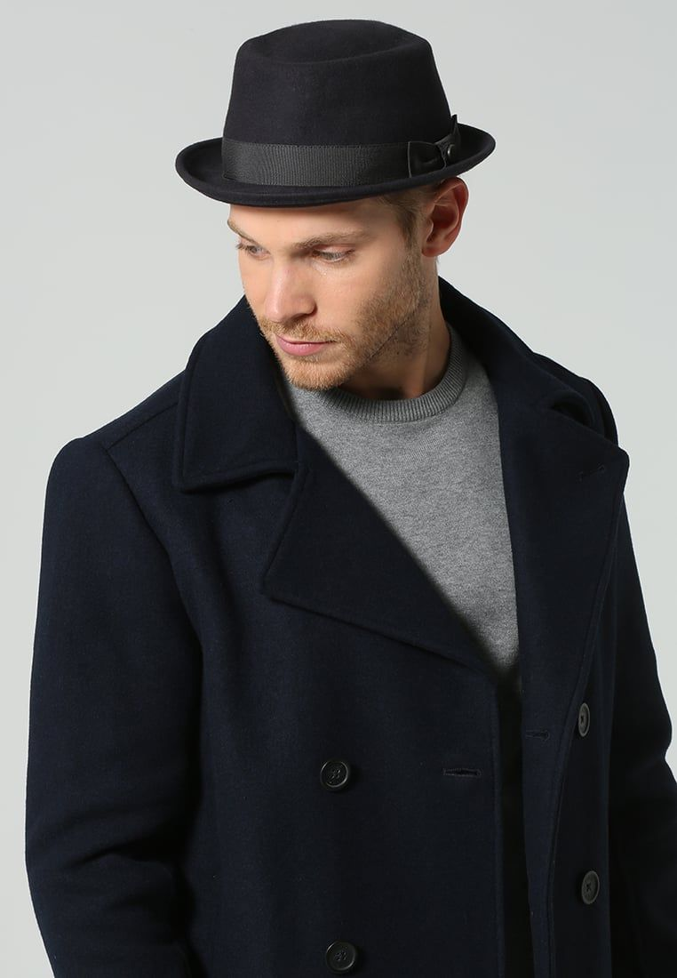 ¡Consigue este tipo de sombrero básico de Menil ahora! Haz clic para ver los 342237d673c2