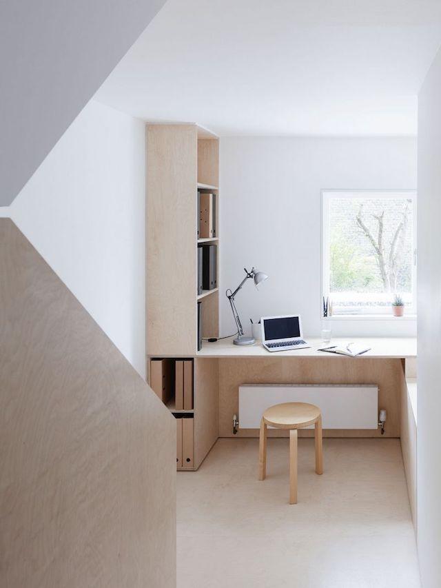 Home in plywood and concrete (COCO LAPINE DESIGN) Escritorios