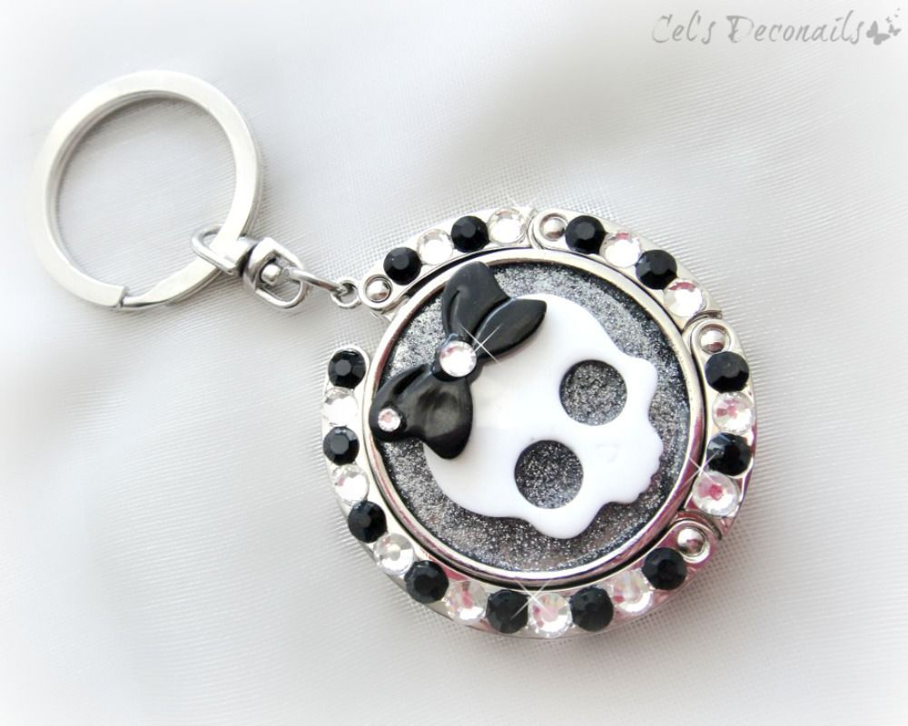 Cutie Skull Keychain