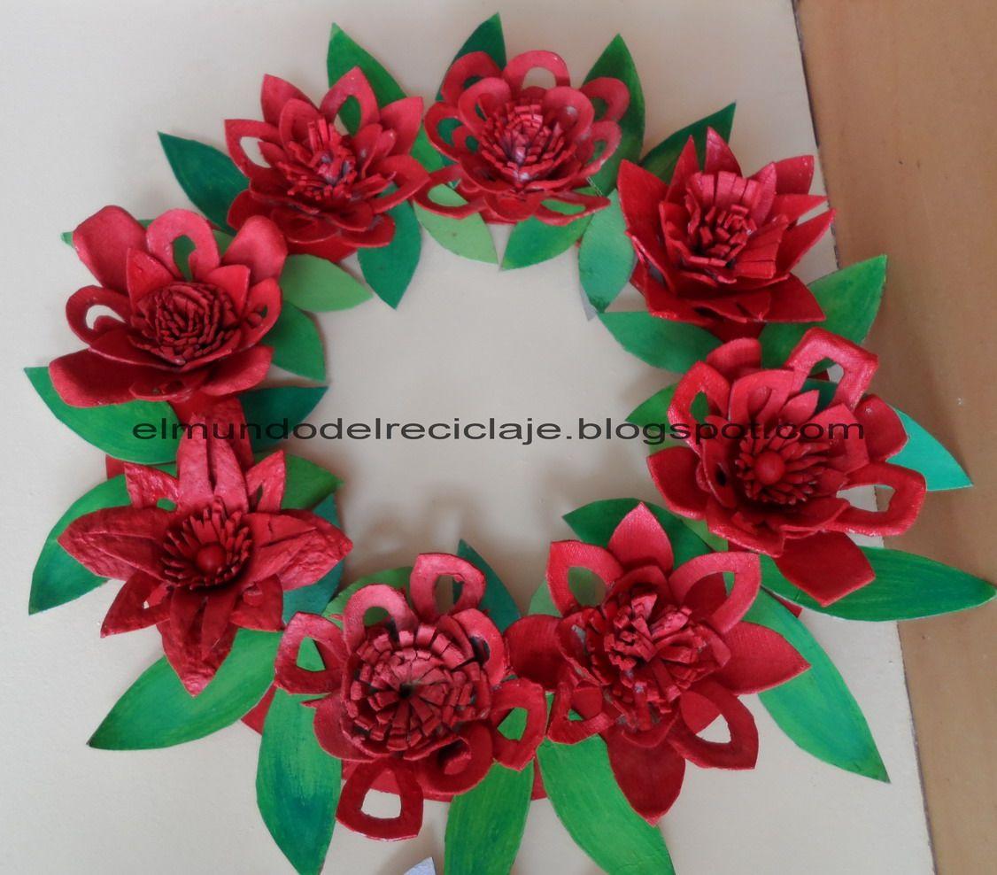 Corona de navidad hecha con cartones de huevo egg carton - Manualidades faciles reciclaje ...