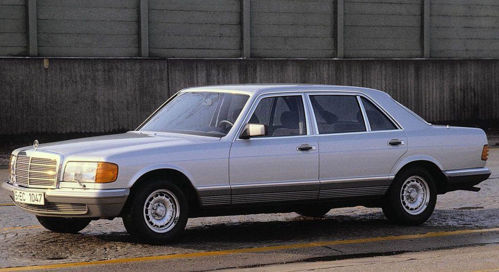 مرسيدس بنز 560 أس إي أل أس63 الثمانينات التي لا تقهر موقع ويلز In 2020 Mercedes Benz Mercedes Sec Mercedes