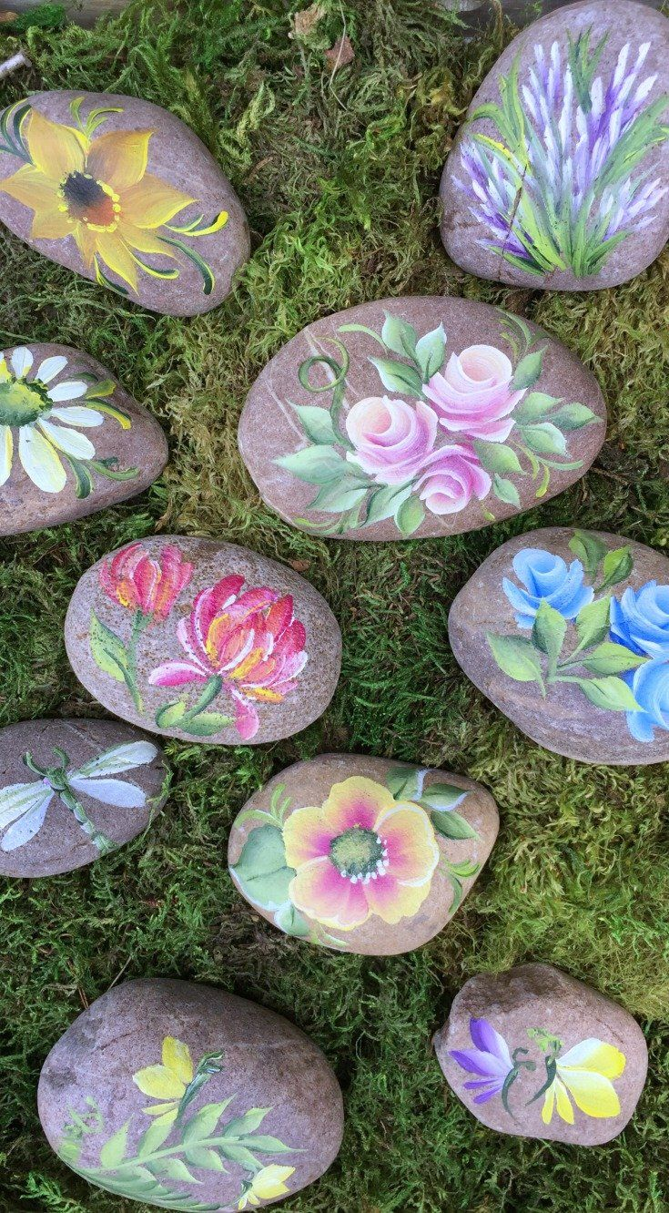 So Love These Painted Rocks For Kindness Rock Ideas Painted Using The Folkart One Stroke Method Love T Painted Rocks Diy Rock Painting Flowers Painted Rocks