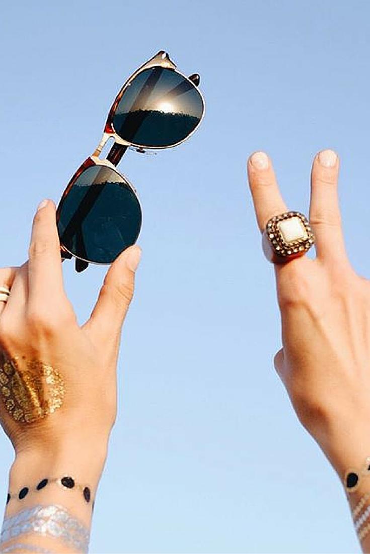 Summer vibe | Persol PO8649 Aviator #sunglasses. http://www.smartbuyglasses.co.uk/designer-sunglasses/Persol/Persol-PO8649S-96/56-301436.html