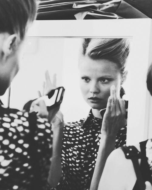 Fashion Beauty Internships: Oscar De La Renta Backstage 2013 Beautiful Face