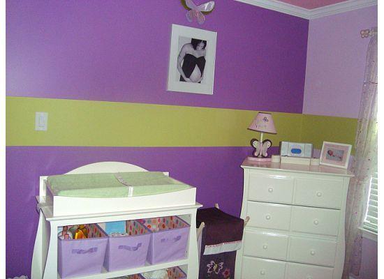 Diffe Shades Of Purple Walls With Green Medium Stripe