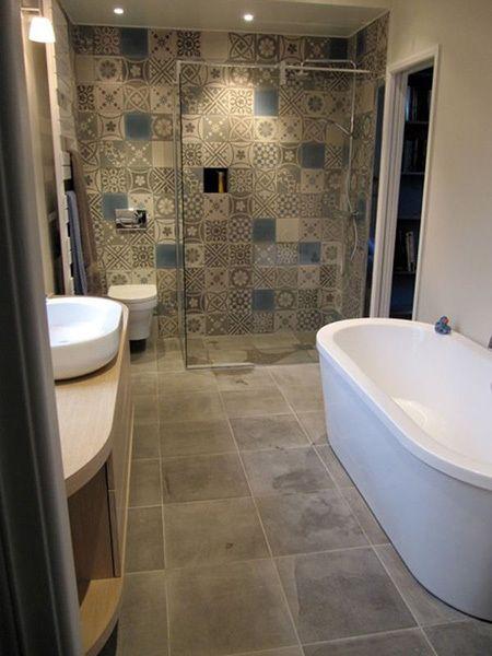 le carreau de ciment se r invite dans nos int rieurs salle de bain pinterest le carreau. Black Bedroom Furniture Sets. Home Design Ideas