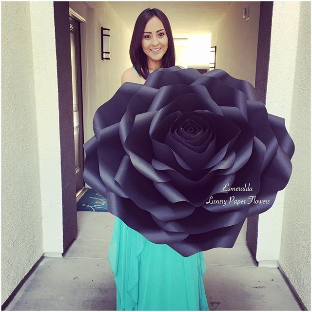 This week has been extremely busy creating a massive order of #black #paperblooms for a VIP #carshow for #bentley in #lajolla this weekend! I am so honored and excited to had created these #giantflowers for them!! @raphaelseventworks thank you for choosing #esmeraldaluxurypaperflowers !! . . #bentleycars #bentleycarshow #luxury #luxurycars #sandiegostyle #luxurylifestyle #paperdecor #sandiegomade #sandiegoevents #thankyou #lajollalocals #sandiegoconnection #sdlocals - posted by Esmeralda…