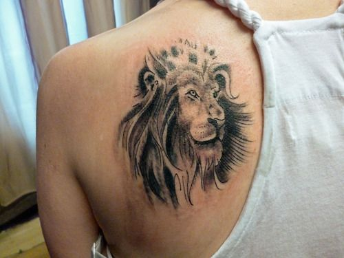 Female Lion Tattoo Design On Back Shoulder Lion Tattoo Design Lion Tattoo Female Lion Tattoo
