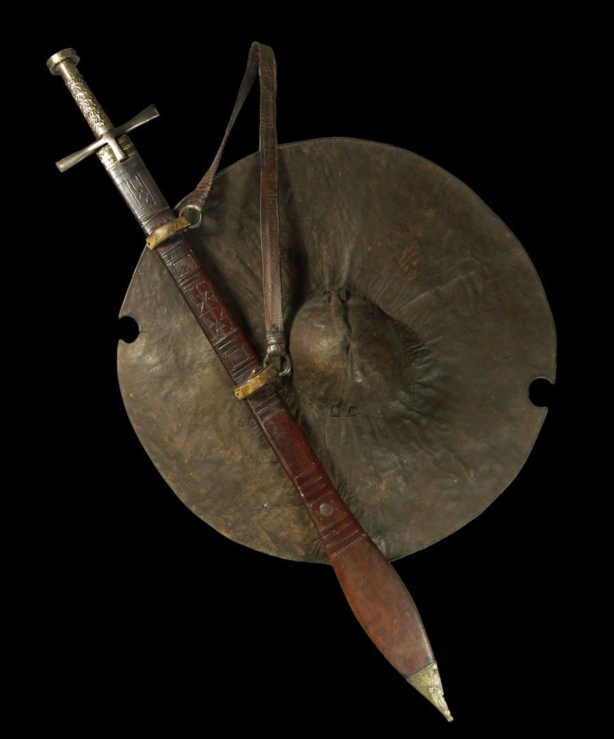 Mahdi shield and sword.jpg - African sword and knife - African Weapons