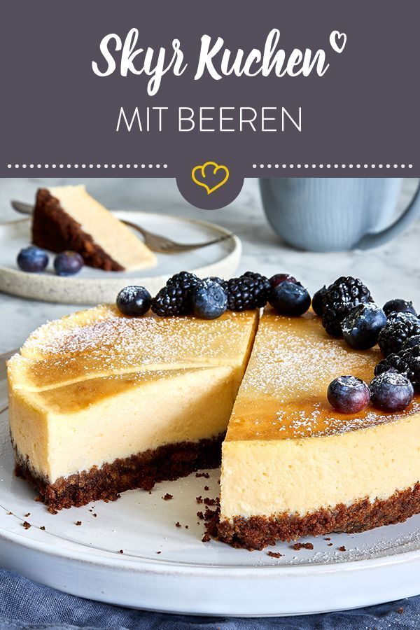 Skyr Kuchen: Cheesecake mit Keksboden und Beeren