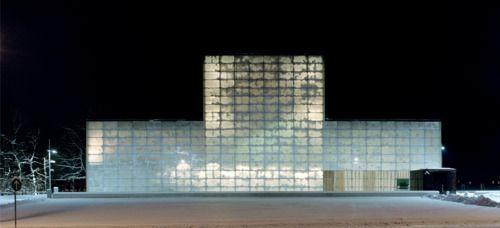 More translucent marble; Josep Lluís Mateo's Deutsche