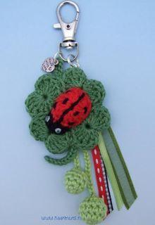 Free Amigurumi Ladybug Keychain Crochet Pattern | Virkmönster ... | 320x220