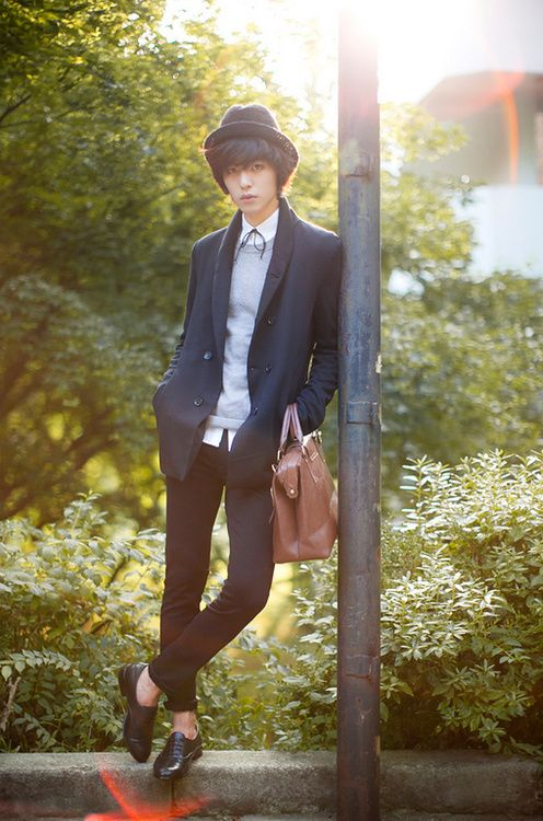 Ulzzang model / Korean fashion - looking good. -Lily.  # streetstyle