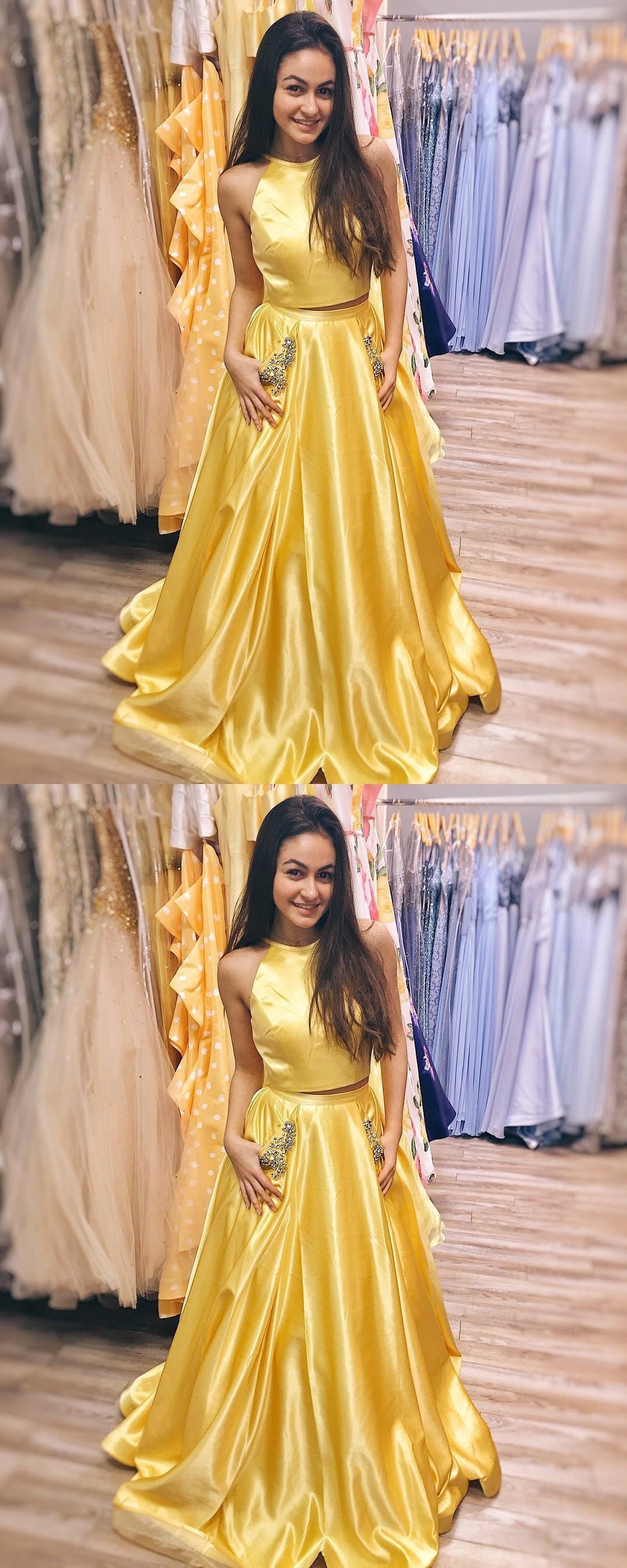 Elegant two pieceshalter yellow long prom dress with pockets