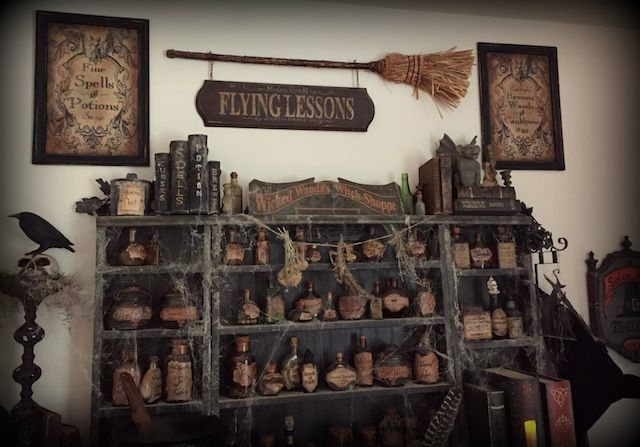 Perfect Witches Decor By Forum Member Stacyn Samhain Pinterest Boticarios Decoración Y