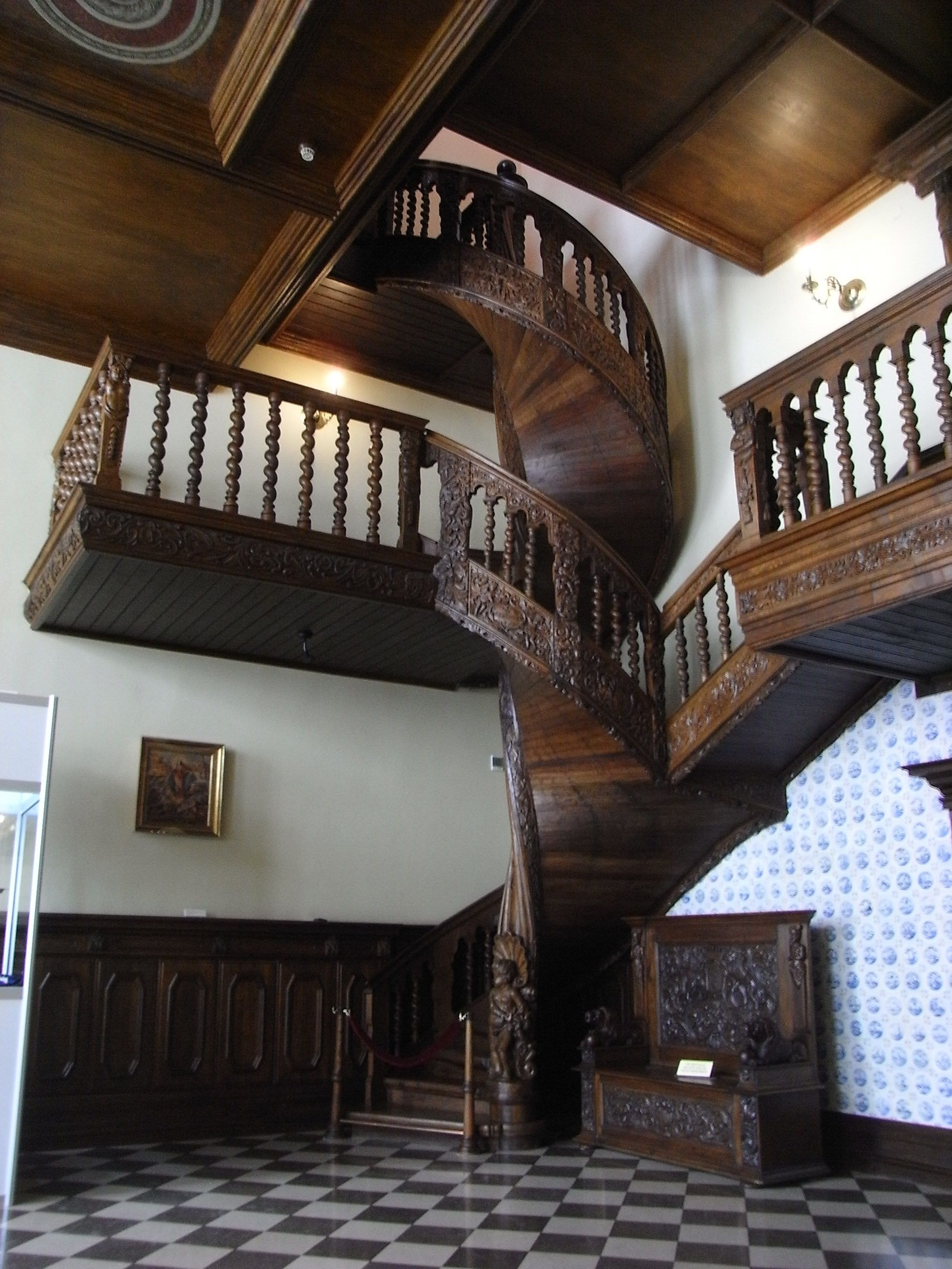 Best Beautiful Wood Carved Spiral Staircase House Stairs 640 x 480