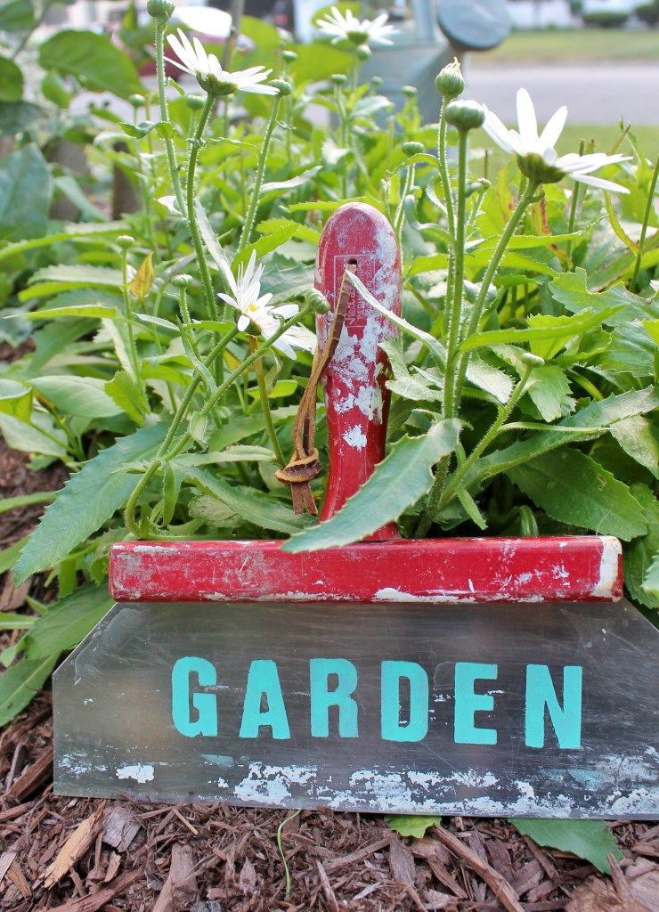 Upcycled Garden Sign from a Vintage Taping Knife Garden