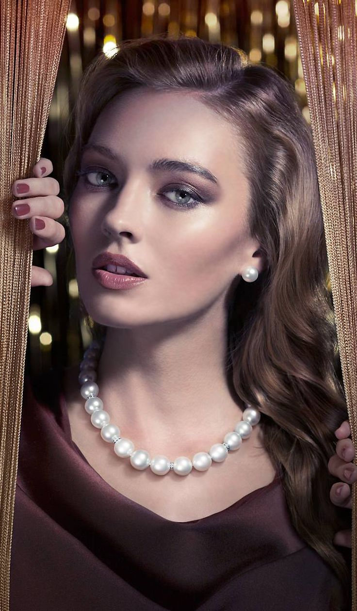 Classic look with pearls & smokey eyes (Damas Pearl Campaign 2014 ...